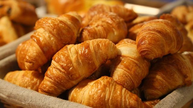 croisant mini όλες οι γεύσεις από μικρά κρουασανάκια στο πιάτο σας ΚΡΟΥΑΣΑΝΑΚΙΑ ΜΙΝΙ  ΒΟΥΤΥΡΟΥ  ΖΑΜΠΟΝΟΤΥΡΟΠΙΤΑΚΙΑ  ΛΟΥΚΑΝΙΚΟΠΙΤΑΚΙΑ  ΠΡΑΛΙΝΑΚΙΑ  ΚΡΟΥΑΣΑΝΑΚΙΑ ΣΟΚΟΛΑΤΑΣ  ΚΡΟΥΑΣΙΝΙΑ  ΚΡΟΥΑΣΙΝΙ ΤΥΡΙ  ΚΡΟΥΑΣΙΝΙ ΖΑΜΠΟΝ